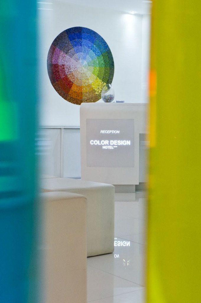 Hotel color design hotel paris gare de lyon bastille for Color design hotel paris