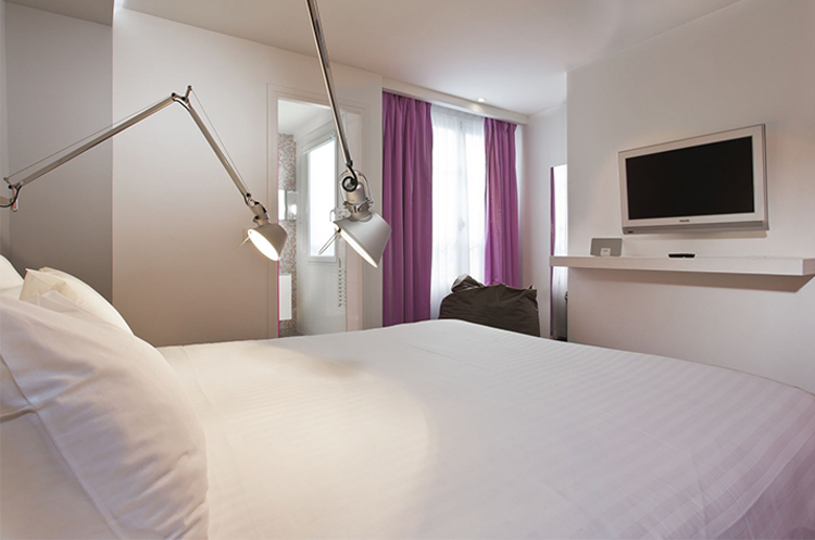 Rooms color design hotel paris gare de lyon bastille for Hotel design color